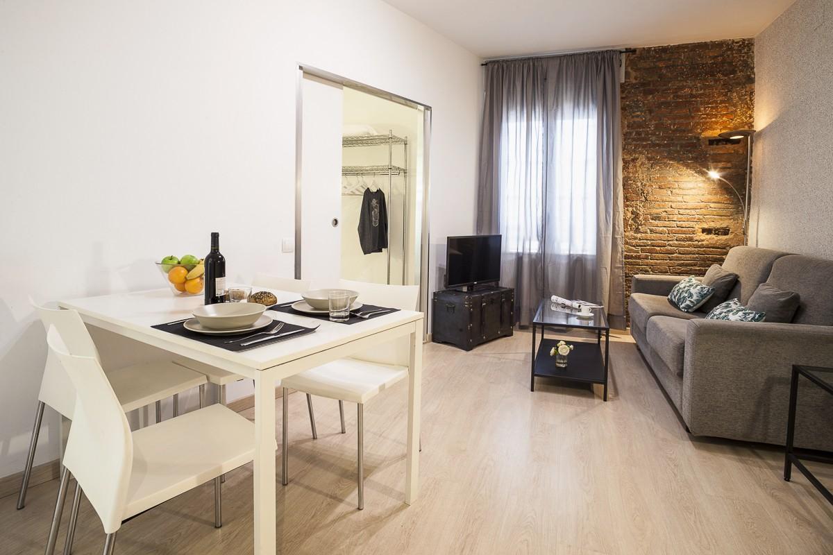 Pelai D Apartment