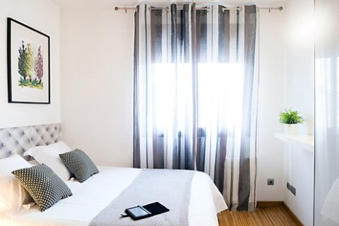 http://www.feelathomeapartments.com/Apartament Marquet III