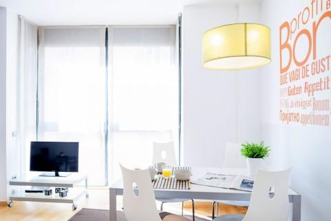 http://www.feelathomeapartments.com/Apartamento Marquet II