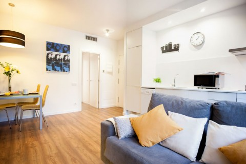 https://www.feelathomeapartments.com/Poblenou Beach 11 Apartment