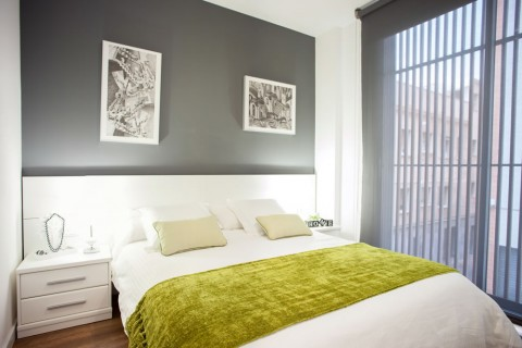 http://www.feelathomeapartments.com/Poblenou Beach 12 Apartment