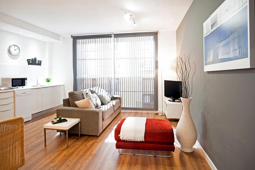 http://www.feelathomeapartments.com/Poblenou Beach 13 Apartment