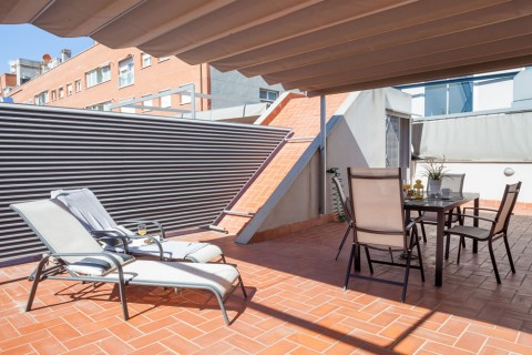 https://www.feelathomeapartments.com/Poblenou Beach 13 Apartment