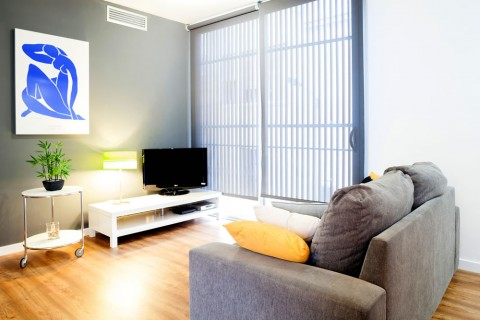 http://www.feelathomeapartments.com/Poblenou Beach 14 Apartment