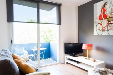 https://www.feelathomeapartments.com/Poblenou Beach 21 Apartment