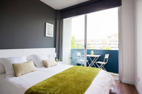 http://www.feelathomeapartments.com/Poblenou Beach 32 Apartment