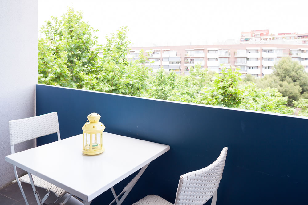 http://www.feelathomeapartments.com/Poblenou Beach 32 Apartment