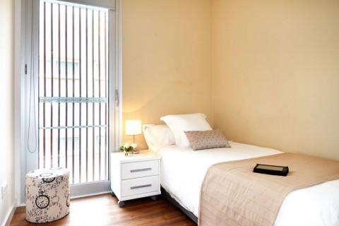 http://www.feelathomeapartments.com/Poblenou Beach 42 Apartment