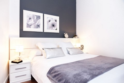 http://www.feelathomeapartments.com/Apartament Poblenou Beach B1