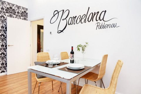 https://www.feelathomeapartments.com/Poblenou Beach B1 Apartment