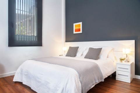 https://www.feelathomeapartments.com/Poblenou Beach B2 Apartment