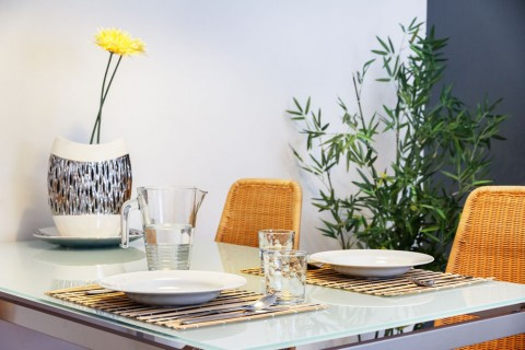 http://www.feelathomeapartments.com/Apartament Poblenou Beach B2