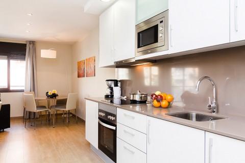 http://www.feelathomeapartments.com/Plaza 22 Apartment