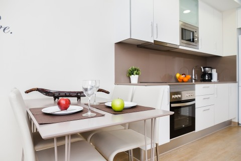 http://www.feelathomeapartments.com/Plaza 18 Apartment