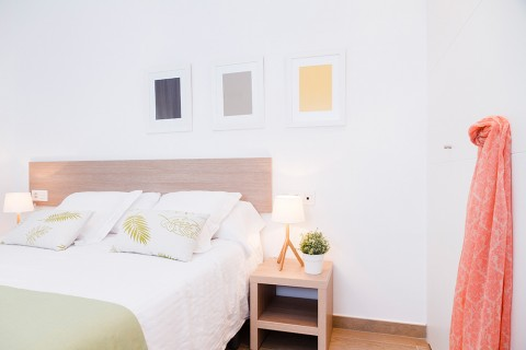 https://www.feelathomeapartments.com/Plaza 17 Apartment