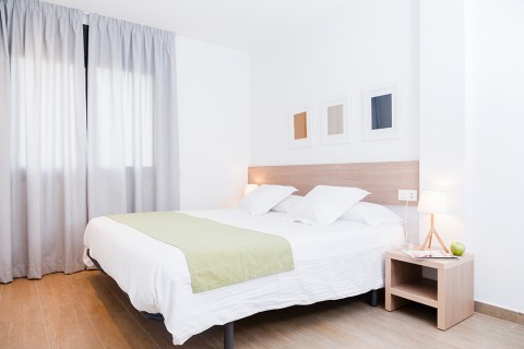 https://www.feelathomeapartments.com/Plaza 34 Apartment