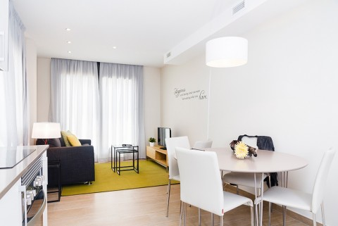 http://www.feelathomeapartments.com/Plaza 36 Apartment